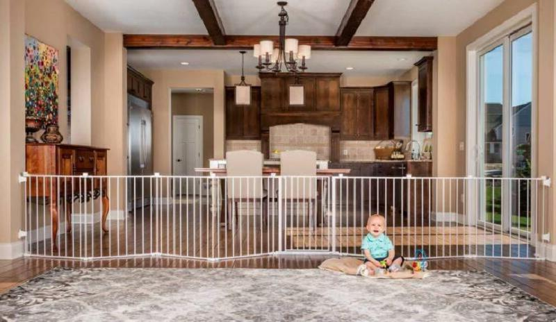 Regalo 192-Inch Super Wide Adjustable Gate and Play Yard, 4-