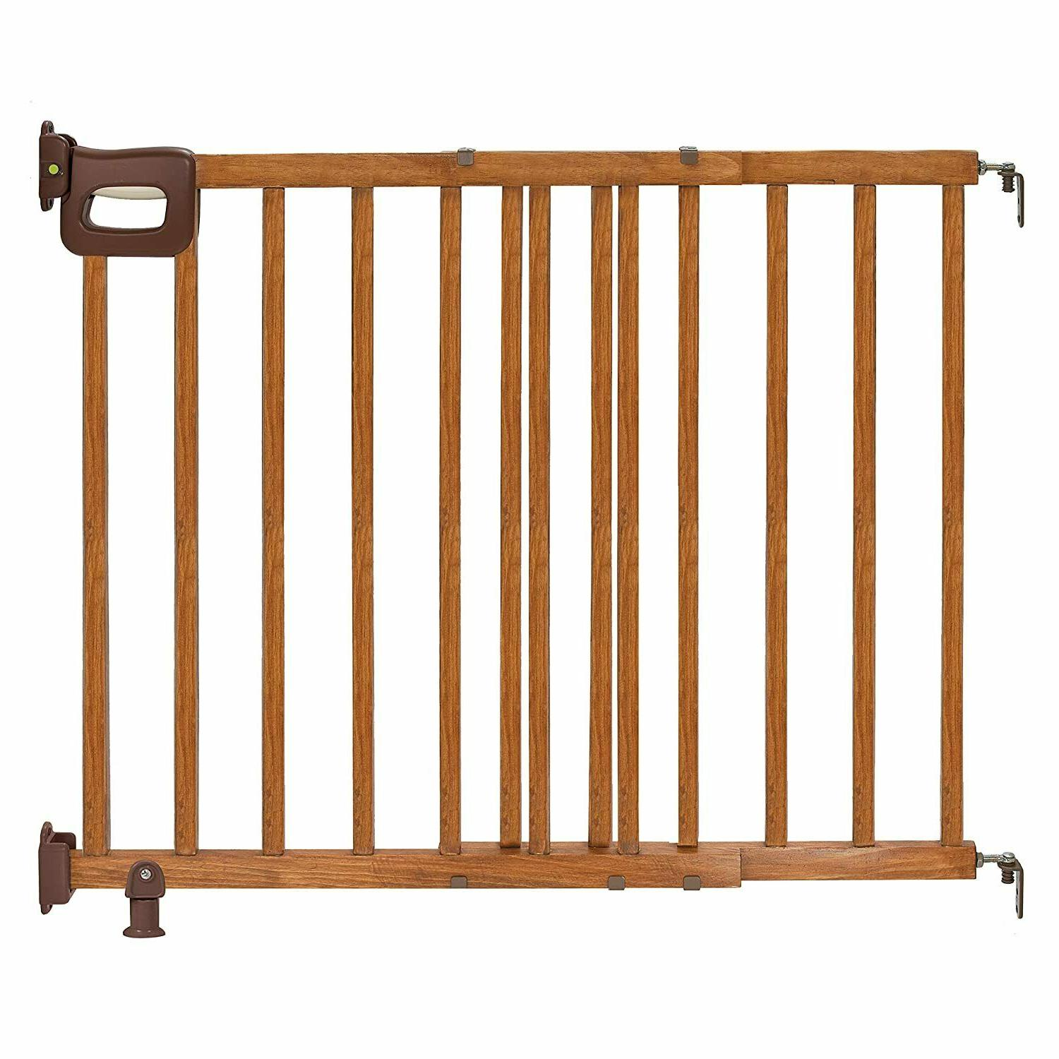 Summer Infant 07950 Deluxe Stairway Wood Gate - Oak
