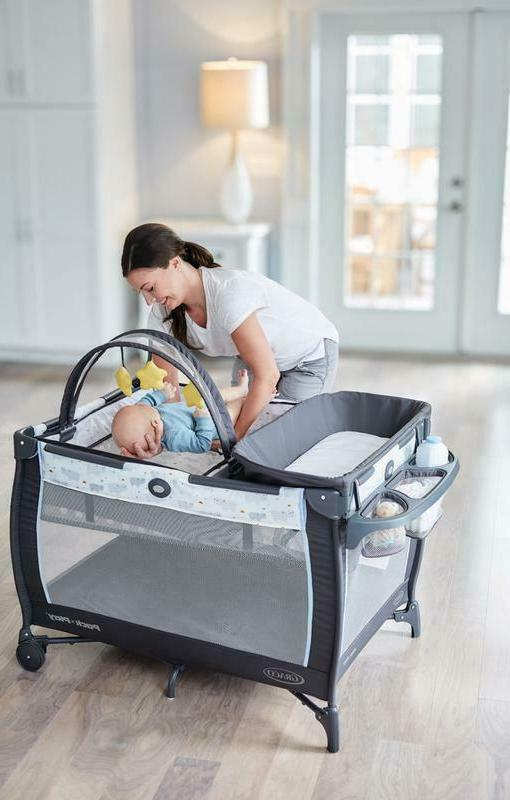 Pack Dreamer Play Bassinet, Changing Table