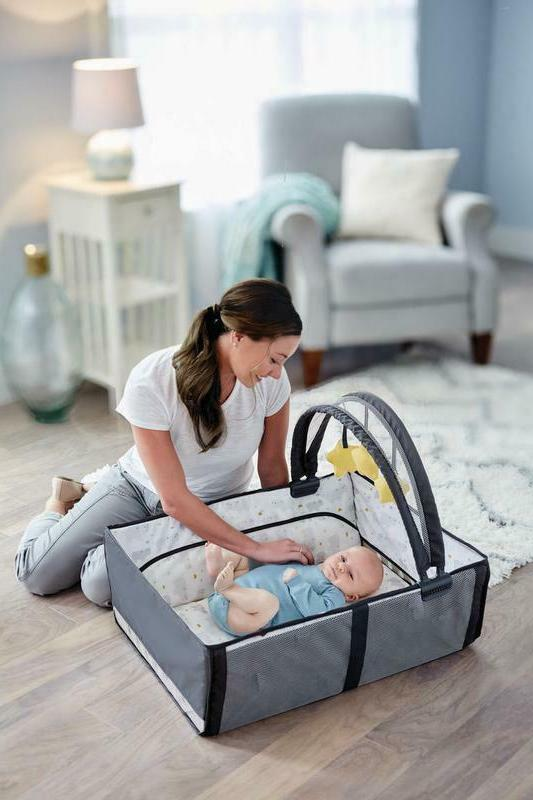 Pack Play Anywhere Dreamer Play Yard Bassinet,