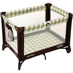 Graco Pack 'n Play Playard On the Go with Folding Feet, Livi